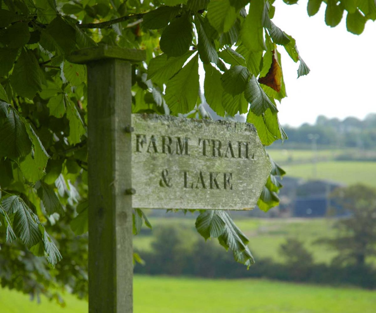 Farm-Trail-Sign